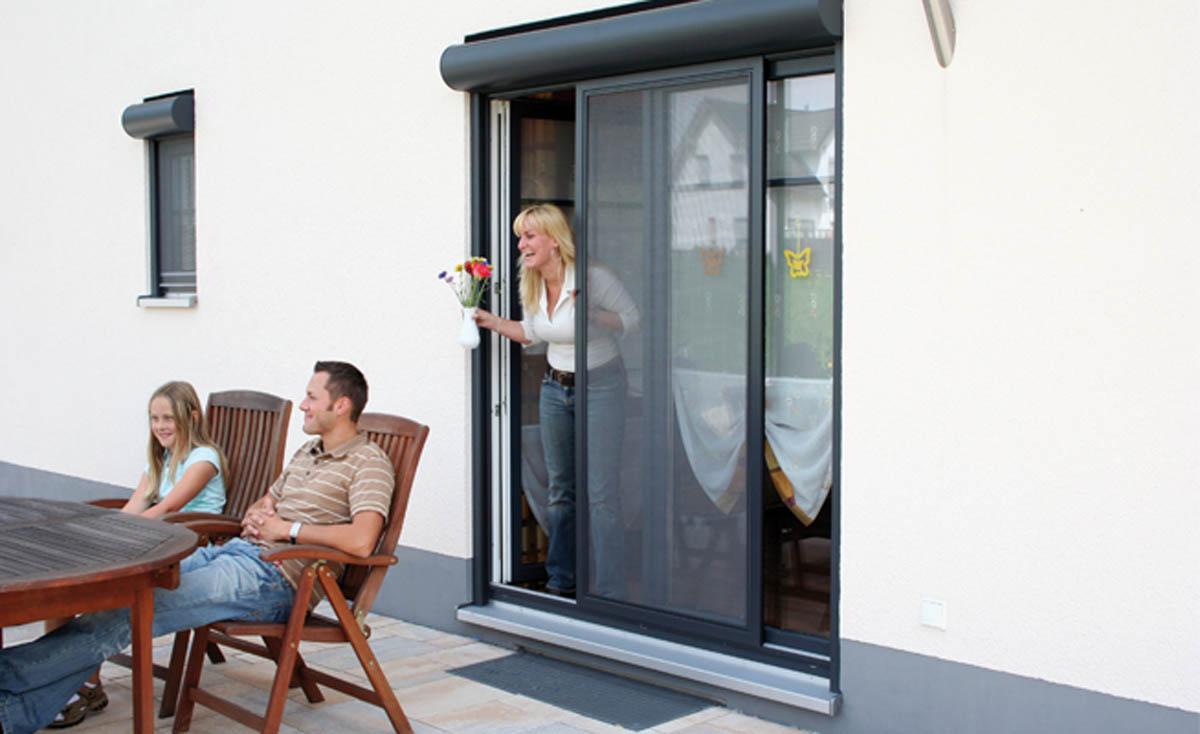 insektenschutz schiebet r sonnenschutz traw ger e u. Black Bedroom Furniture Sets. Home Design Ideas